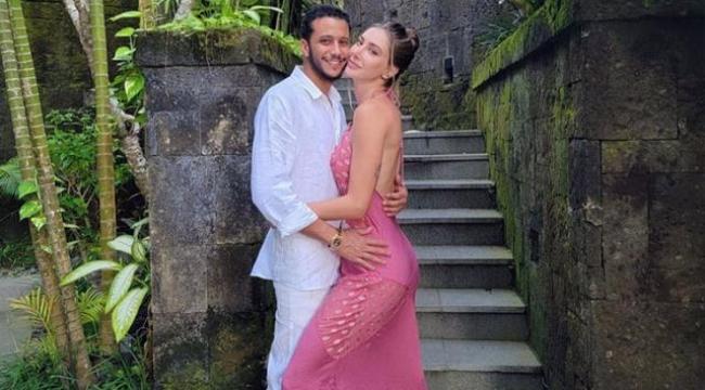 Şeyma Subaşı, Mısırlı sevgilisiyle öpüştüğü anları sosyal medyadan paylaştı